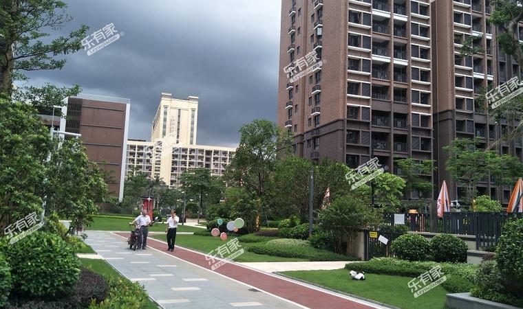 远洋天骄广场小区实景图3