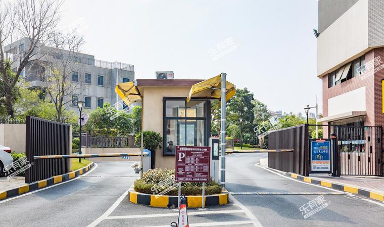 中惠松湖城10
