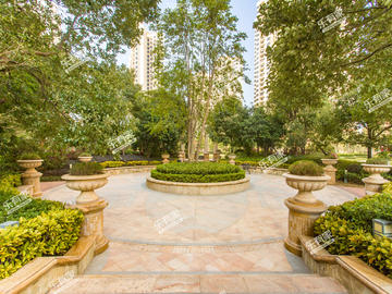 名巨中央花园