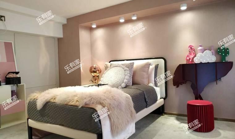华堂商寓卧室2
