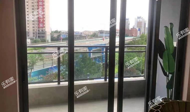 瀚康华府阳台