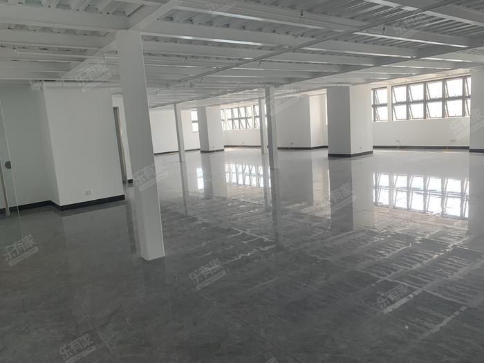 益华领峯大厦居室-1