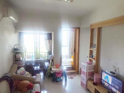 诺德假日花园,精装修的两房出售,主卧看花园泳池-深圳诺德假日花园二手房