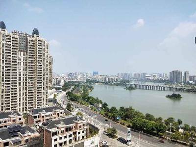 珑湖湾一线湖景赠送面积大-惠州方直珑湖湾二手房