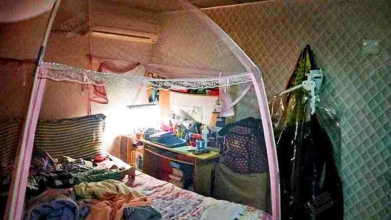 世纪名轩东普装3室1厅45.62m²