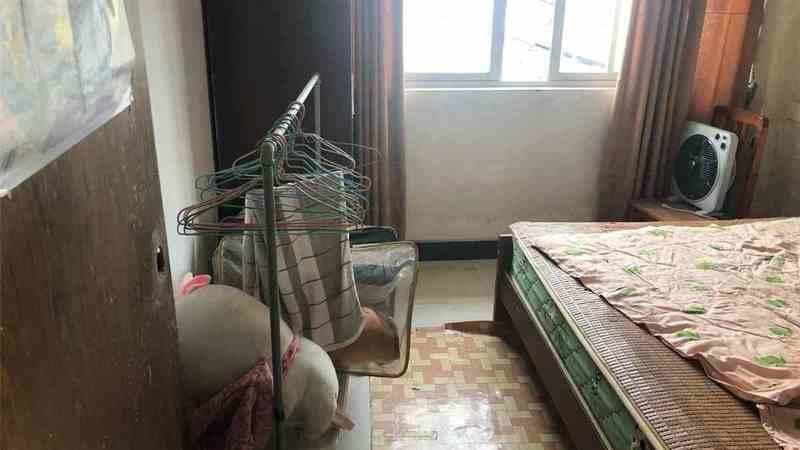 8楼2室一厅一卫简单装修