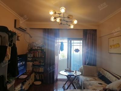 居家温馨的装修,很舒服,华侨城生态广场旁-深圳中旅广场二手房