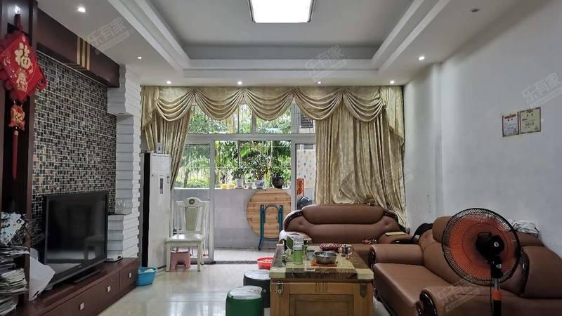 冠和金山龙庭客厅-1