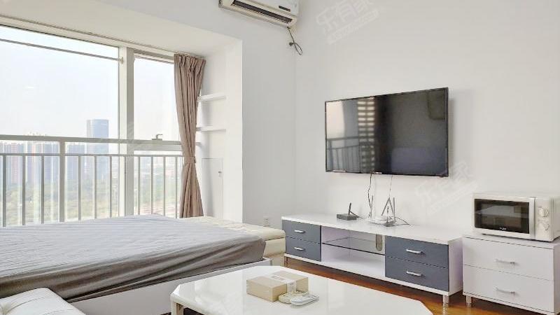 海岸时代精装公寓,户型好,实用采光好。
