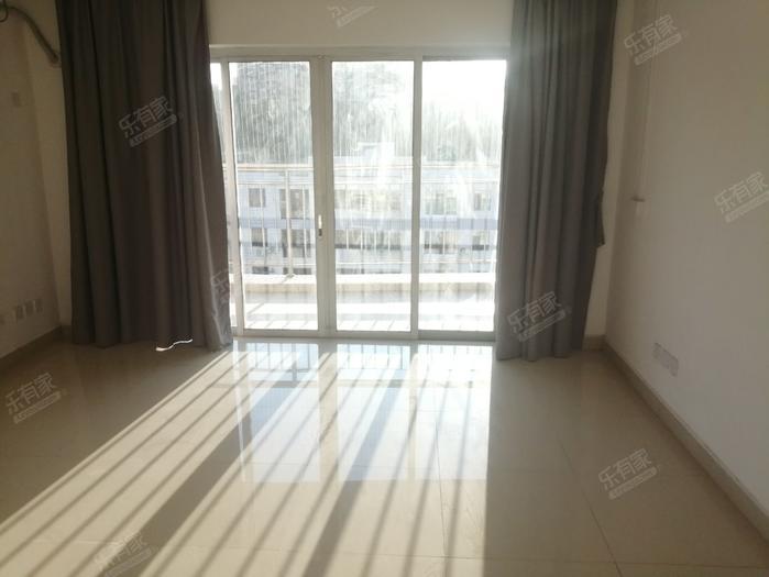 龙华冠寓客厅-1