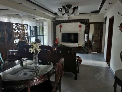 豪华装修,四房两卫带大花园,低于市场价约200万-深圳山海美域花园二手房