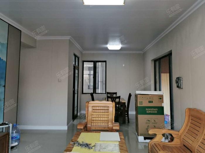 金色华庭二期客厅-1