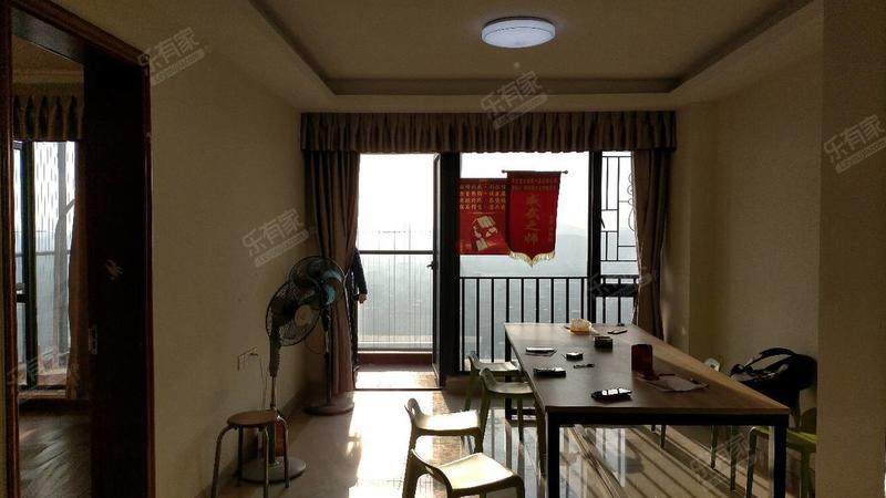 宜城风景花园客厅-1
