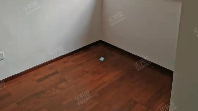 滨海新城精装2房出售
