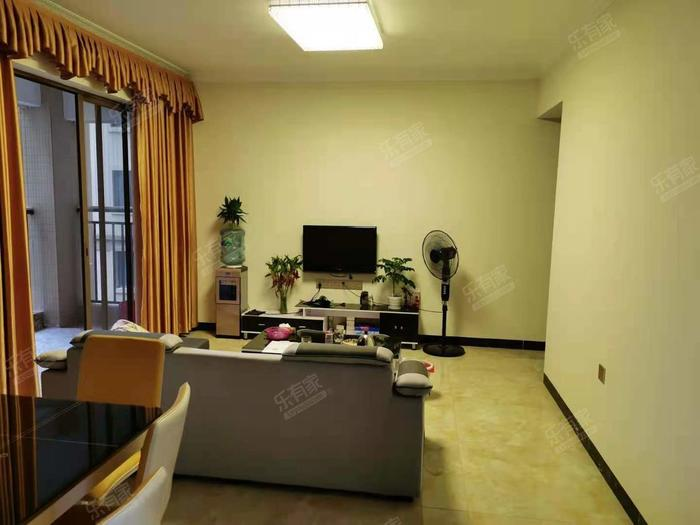 龙光城北二期客厅-1