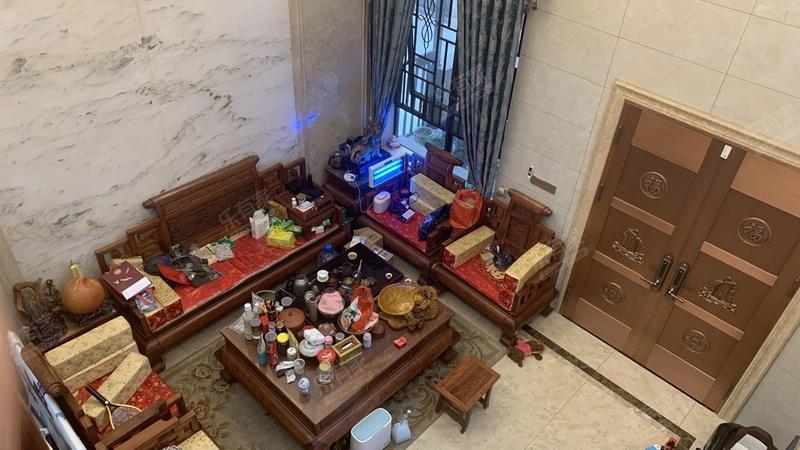 碧桂园翡翠山二期客厅-1