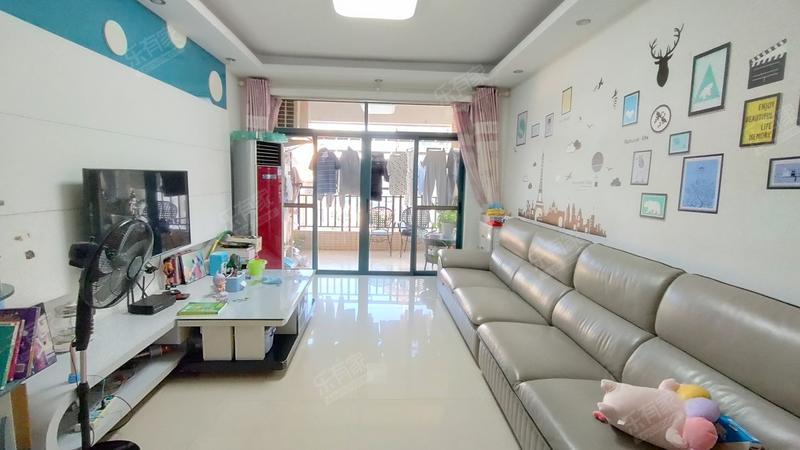 富盈山水华府客厅-1