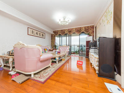 鸿威海怡湾带装修大5房,东南朝向,业主自住的装修