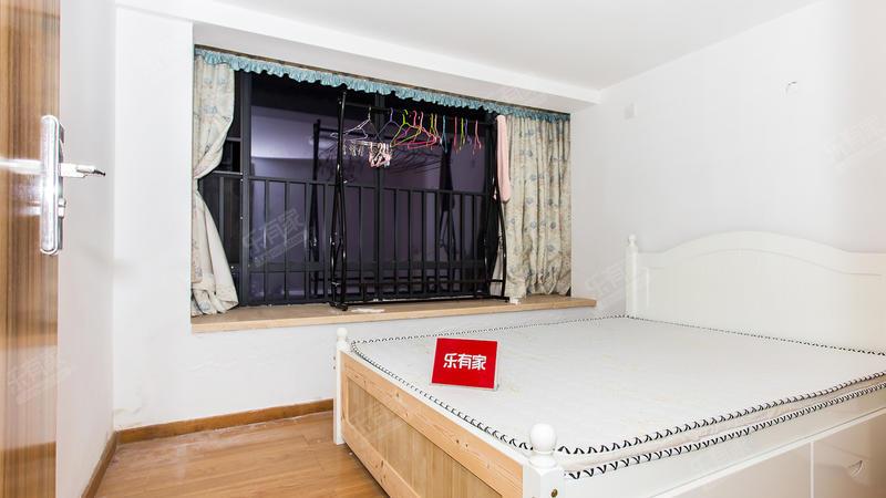 1.南联地铁口远洋新干线,精装复式五房公寓,业主诚心出售