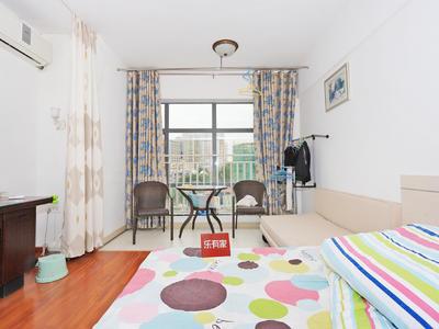 吉大嘉年华精装实用1房,看房方便-珠海嘉年华国际公寓二手房