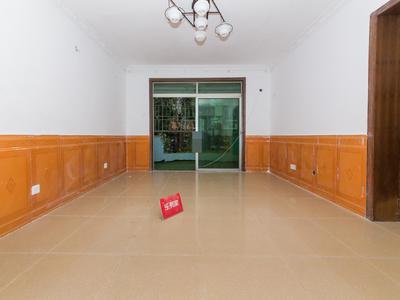 大信花园三室满五年免税,看房方便,业主诚心出售
