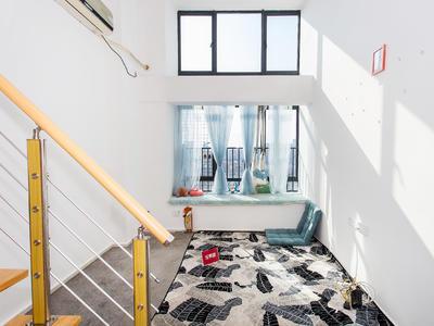 标准LOFT结构,现代风格,大飘窗,适合青年男女-深圳远洋新干线租房