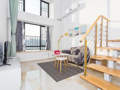 远洋新干线,复式1房1厅,买一层送一层,高实用面积-深圳远洋新干线晶钻广场二手房