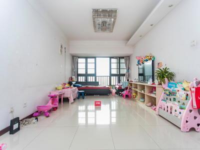 第五园八期,客厅落地窗看花园很安静,居家舒适-深圳万科第五园八期二手房