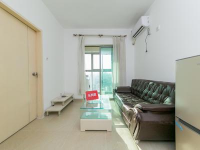 房子装修保养好,业主诚心出租,出门就是公交,地铁,万象城-深圳红桂皇冠租房
