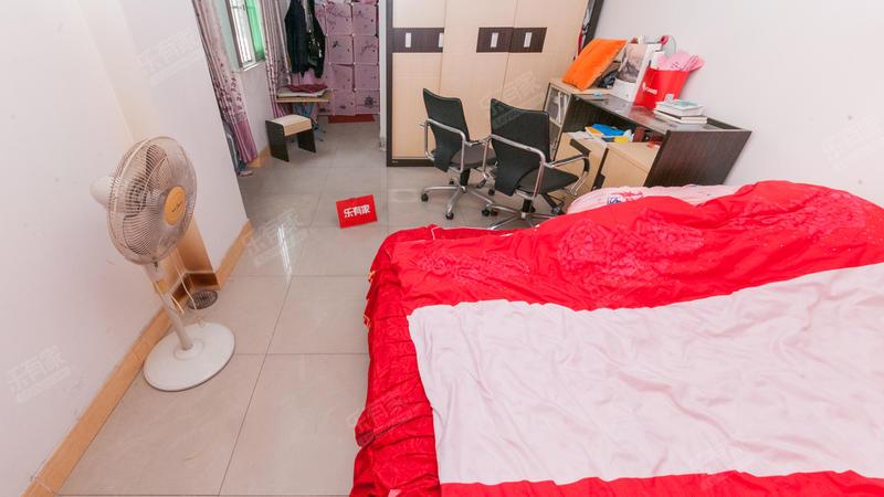 金海广场3室2厅2卫139.28㎡