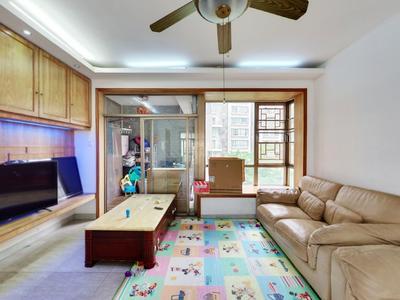 山景美宅翠谷居新出大四房,南北通透,业主诚心出售。看房方便