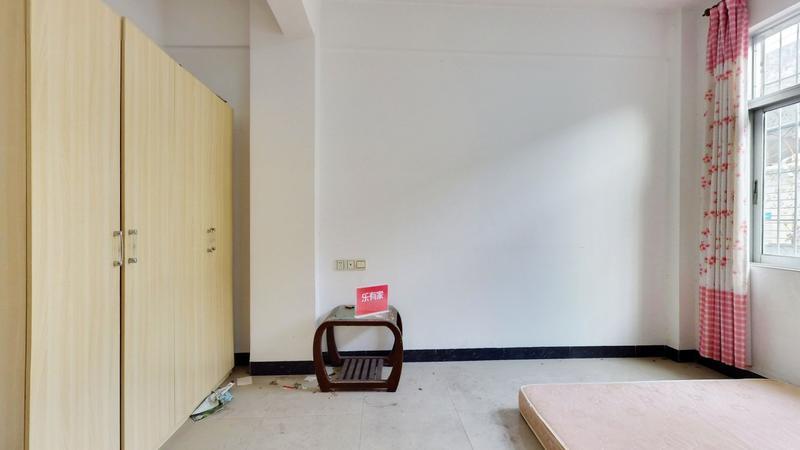 芙蓉华盛新村实用两房出售