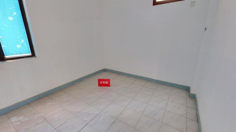 霞晖花园六室两厅出售