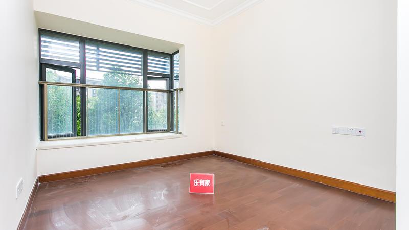 恒大御景半岛南精装3室2厅106m²