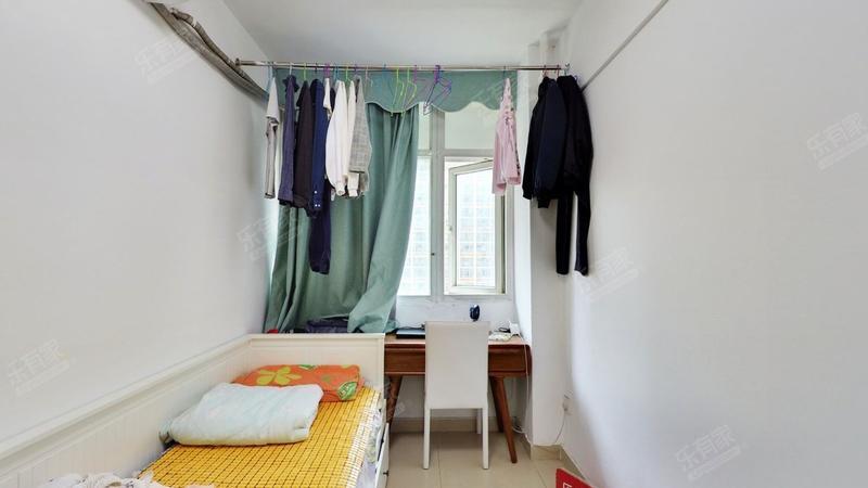 白金假日公寓,精装两房,近坪洲地铁站,诚心出售