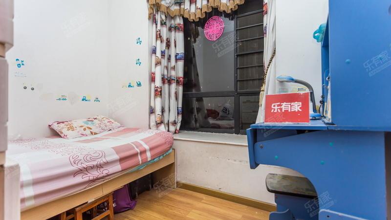 深圳外国语,出门白石龙地铁口,看房提前约,业主自住