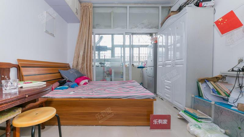 鹏基公寓精装一房,诚心出售,实收价