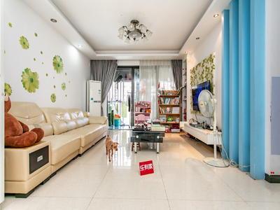 户型很方正,装修的很精致,客厅宽敞大气,让您尊享优质的生活。-深圳金地梅陇镇二期租房