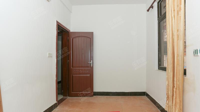 商业大道小区东普装3室2厅100m²