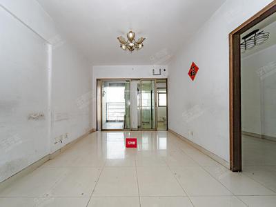 交通出行方便,住家非常舒心顺心,户型上下两层使用率高-深圳鸿隆广场租房