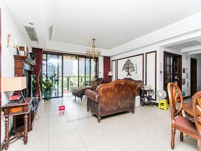 南北通大户型看房随时方便,看房提前预约-深圳中航天逸花园二手房