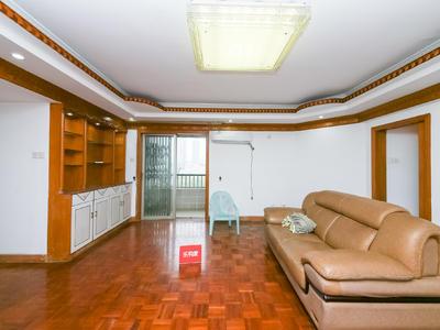 中旅广场客厅出阳台舒适四房,采光通风效果好-深圳中旅广场租房