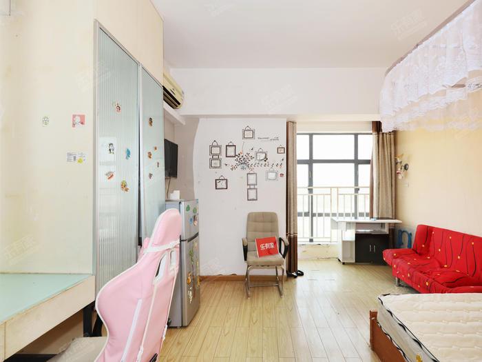 嘉年华国际公寓居室-1