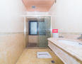 深业紫麟山花园厕所-2