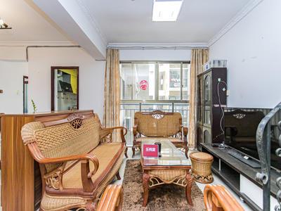 房子位于虎山路和雅园路的交汇处,出小区800米就是地铁10号-深圳中海月朗苑租房