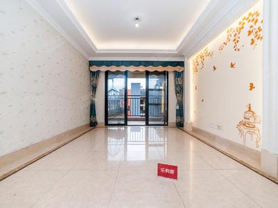 鸿威的森林精装修4房业主诚心出售-深圳鸿威的森林二手房