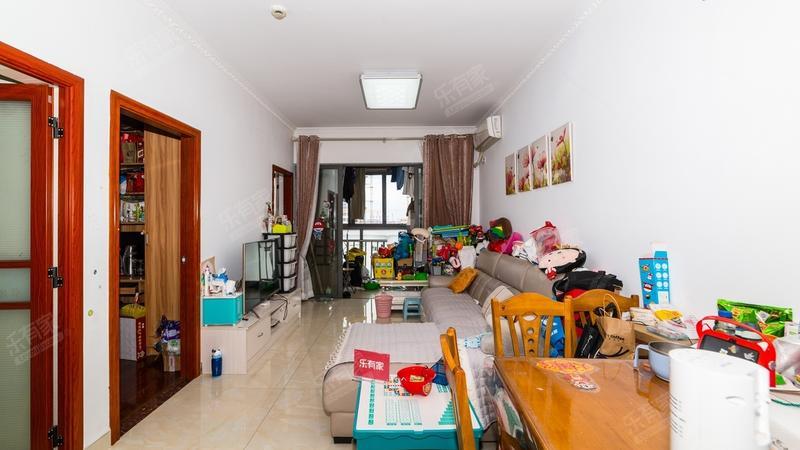 龙瑞佳园客厅-1