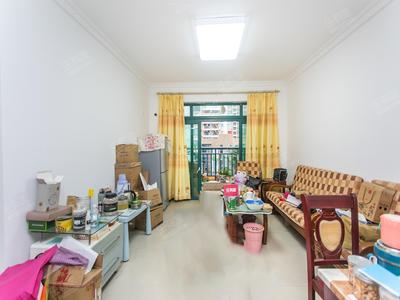安静居家客厅出阳台-深圳富通好旺角二手房