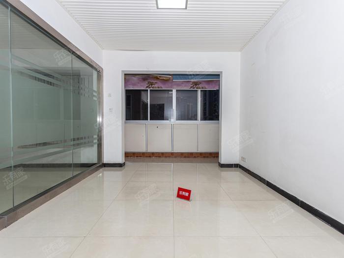创富时代名苑客厅-1