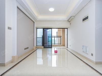 横厅户型4房,通风采光很好,诚心出售-深圳信义嘉御山5期二手房